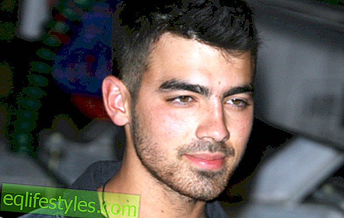 Retour Carriage: Joe Jonas writes song about Taylor Swift