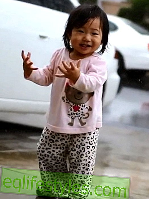 Sweet video: Baby is happy about the first rain