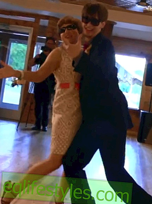 Groom and mother surprise with funny wedding dance