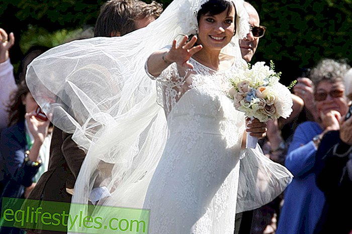 Lily Allen gets married in a vintage wedding dress