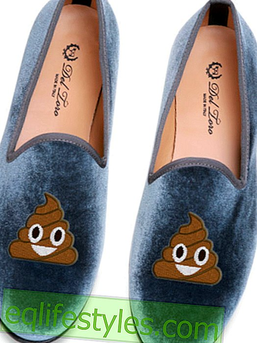 Emoticon as a fashion statement: We want these slippers!
