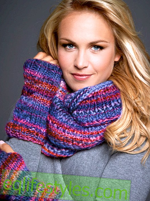 Knitting instructions for cuffs and loop