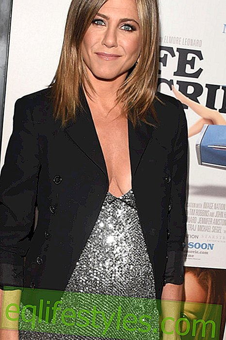 Jennifer Aniston med ekstrem decollete og Rachel frisure