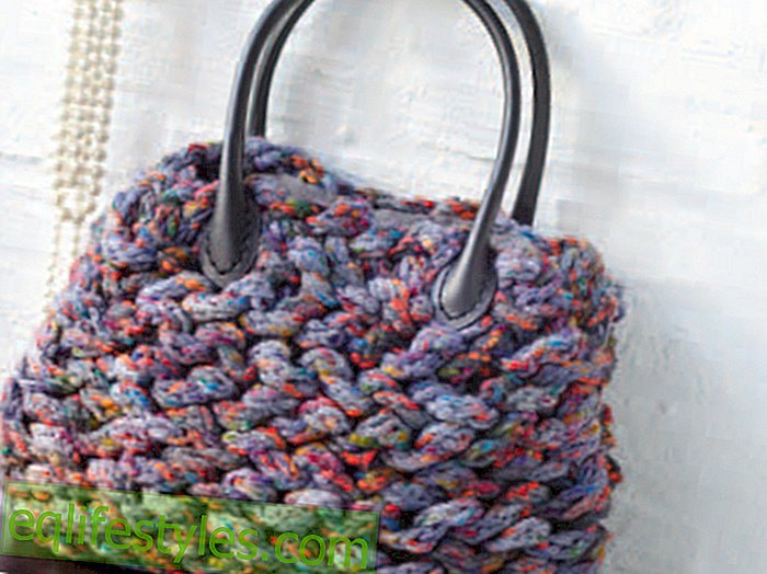 Knitting InstructionsKnitting the bag: We'll show you how it's done