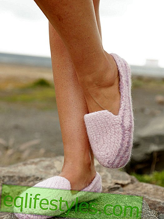 Simply knit cozy slippers yourself