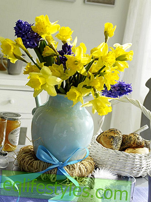 Arrangement of Easter bouquet and straw wreath