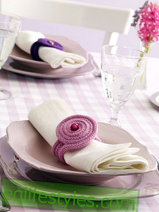 DIY idea: Crochet napkin ring yourself