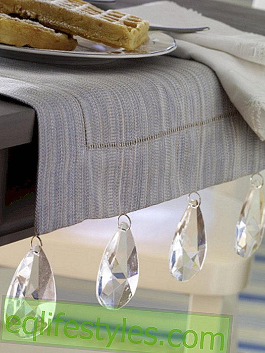 Table runner with glass prisms