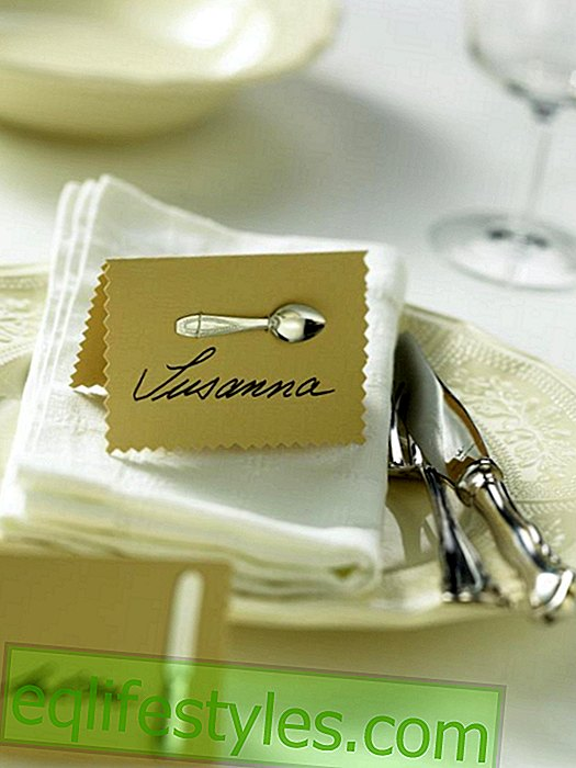 Name tags with doll cutlery