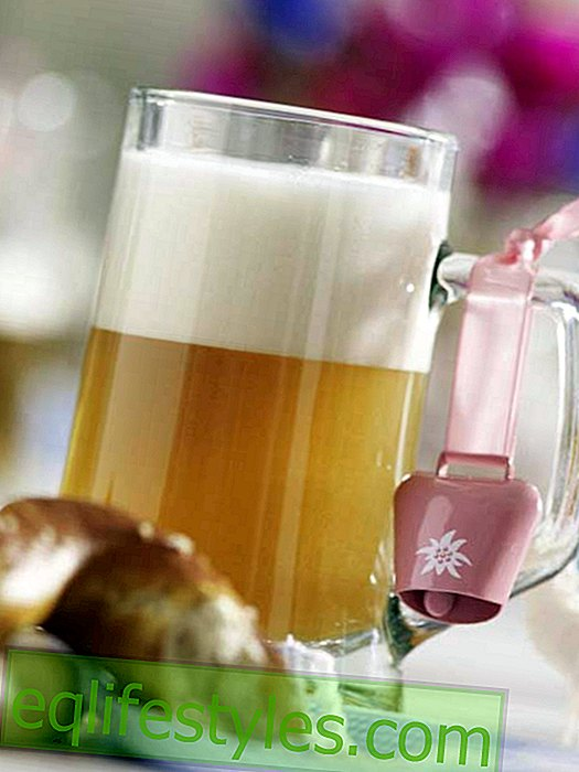 Oktoberfest: beer glass with bell
