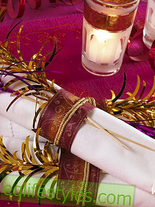 live: New Year's Eve oriental: napkin ring with pearls