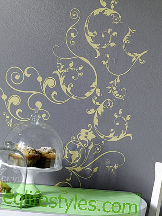 Wallsticker with flower ornament