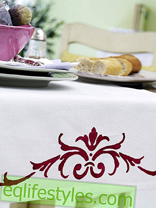 live - Table runner with stencil technique