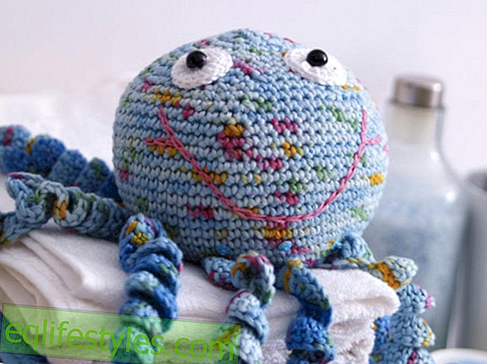 Get some wool! Crochet Pattern: This sweet octopus is our new roommate - live - 2018