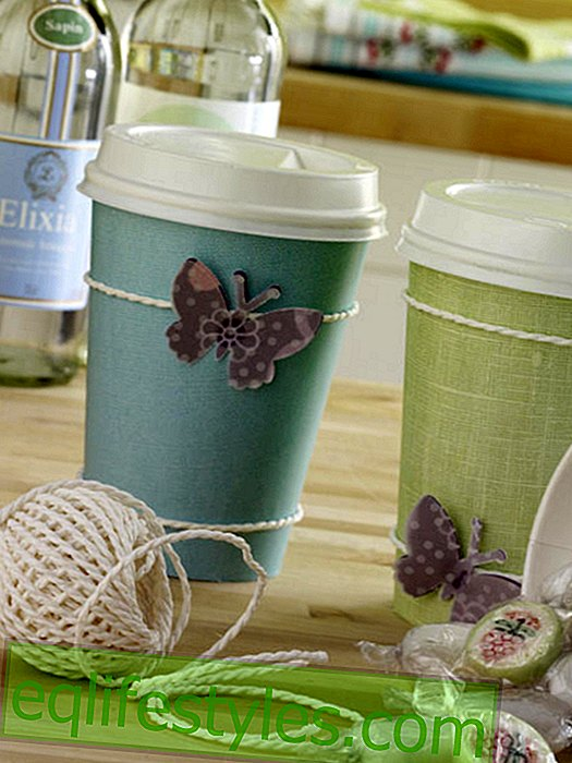 Gift wrap made of coffee-to-go cups