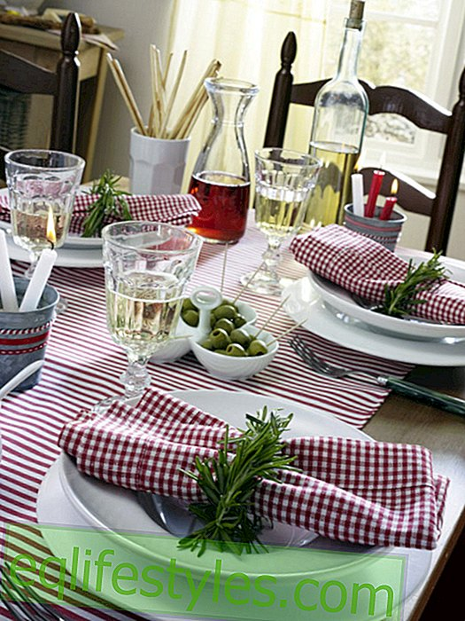 Italian party: napkin ring and candle pot