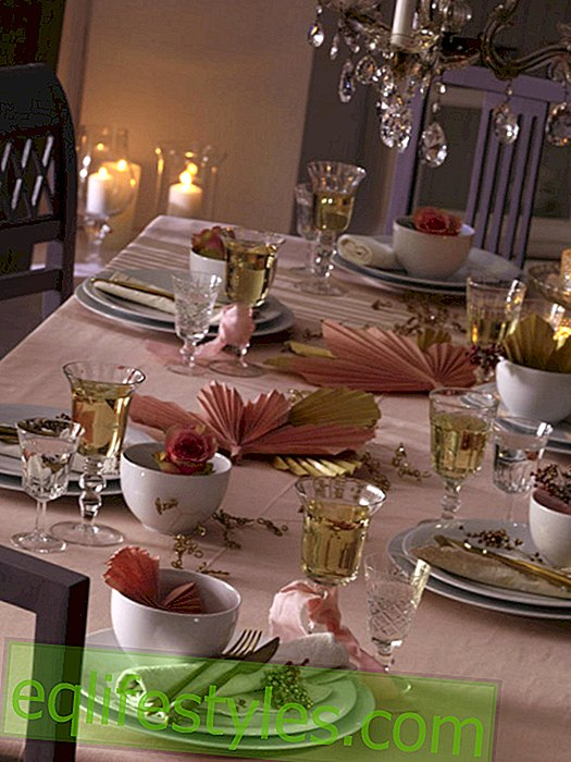 live - Romantically decorated table