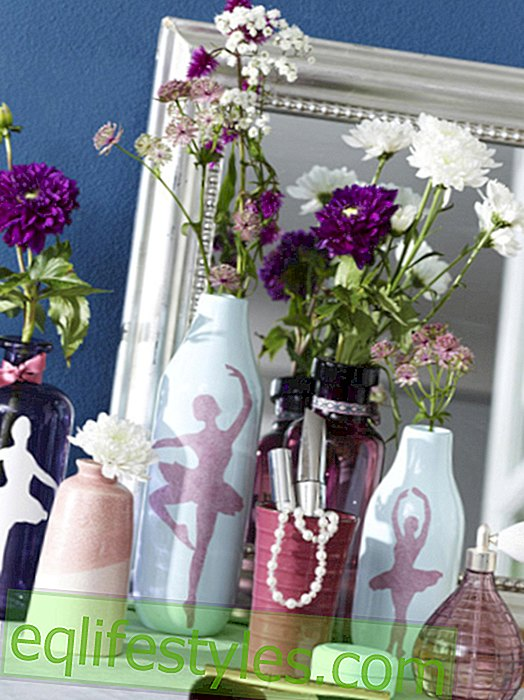 live: Frame vase and table decoration with pretty templates